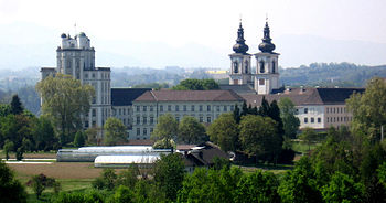350px-Kremsmuenster_Abbey_Northeast